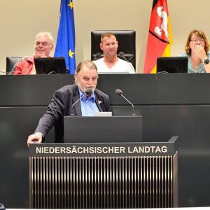Axel Brammer bei einer Rede im Landtag